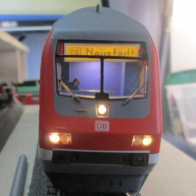 f Ersatz-Inneneinrichtung oben z.B MÄRKLIN Doppelstockwagen-Steuerwagen H0 NEU